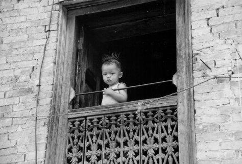 bimbo finestra.jpg